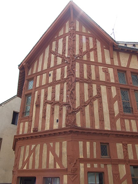 Photo du Monument Historique Maison dite L'Arbre de Jessé situé à Joigny