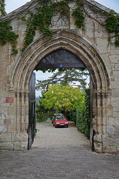 Photo du Monument Historique Prieuré de Notre-Dame situé à Joigny