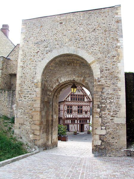 Photo du Monument Historique Porte Saint-Jean situé à Joigny