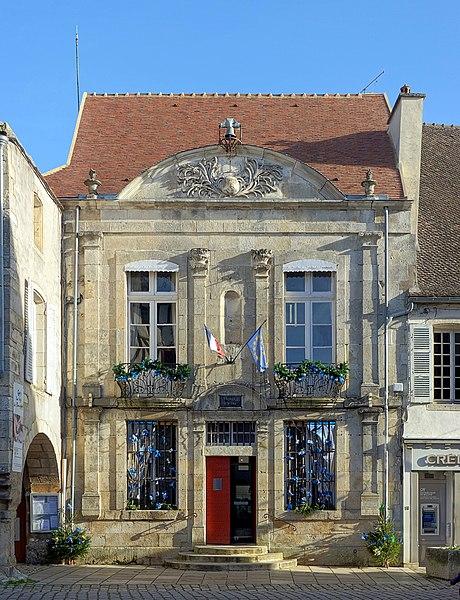 Photo du Monument Historique Hôtel de ville situé à Noyers