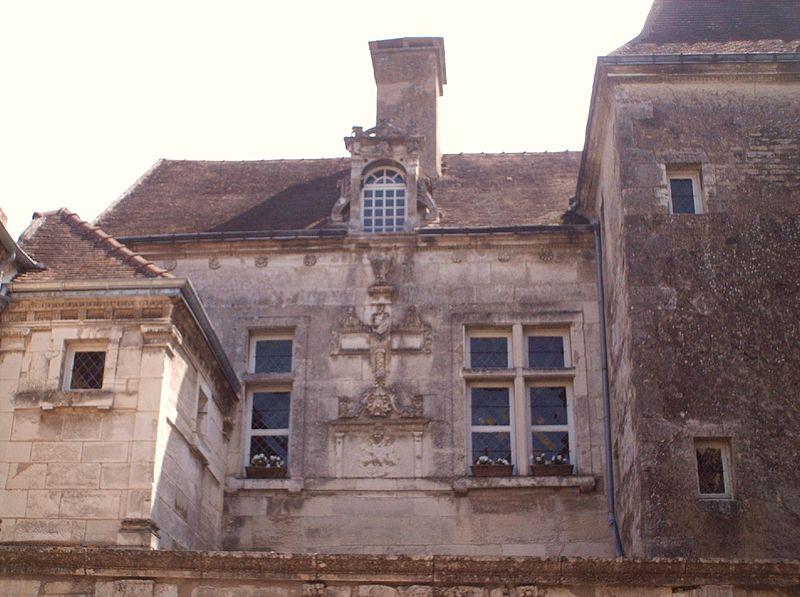 Photo du Monument Historique Maison dite de la Toison d'Or situé à Noyers