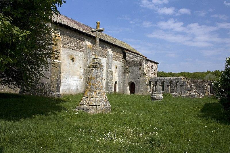 Photo du Monument Historique Prieuré de Saint-Jean-des-Bonshommes situé à Sauvigny-le-Bois