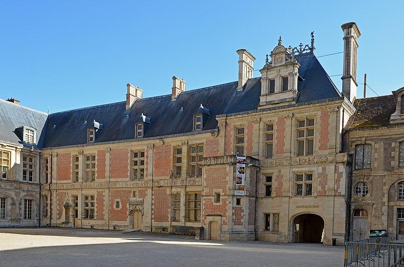 Photo du Monument Historique Ancien archevêché ou ancien palais archiépiscopal situé à Sens