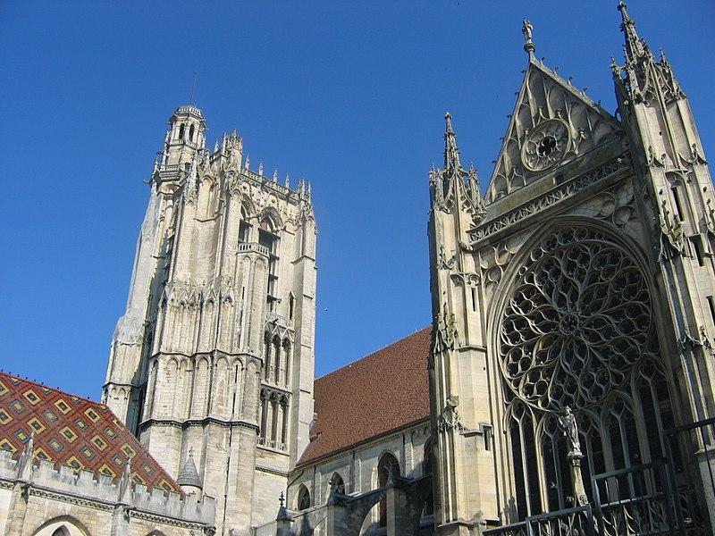 Photo du Monument Historique Cathédrale Saint-Etienne situé à Sens