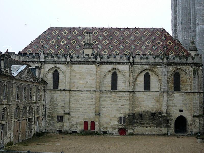 Photo du Monument Historique Salle synodale situé à Sens