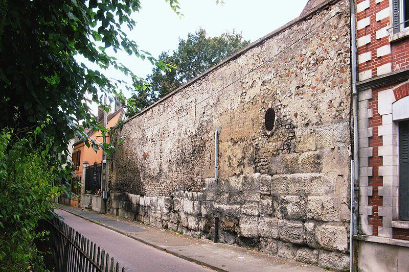 Photo du Monument Historique Rempart gallo-romain situé à Sens