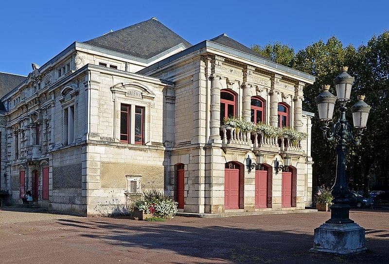 Photo du Monument Historique Théâtre municipal situé à Sens