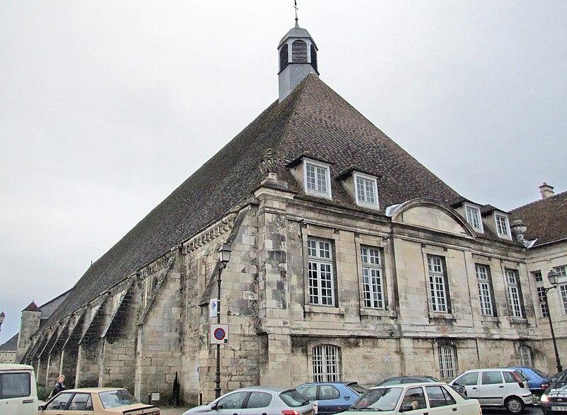 Photo du Monument Historique Hôpital situé à Tonnerre