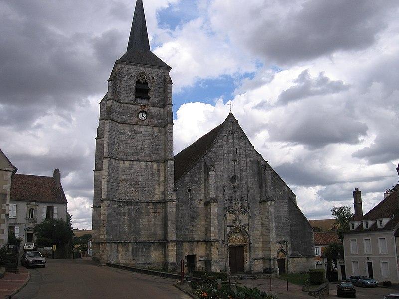 Photo du Monument Historique Eglise Saint-Symphorien situé à Treigny