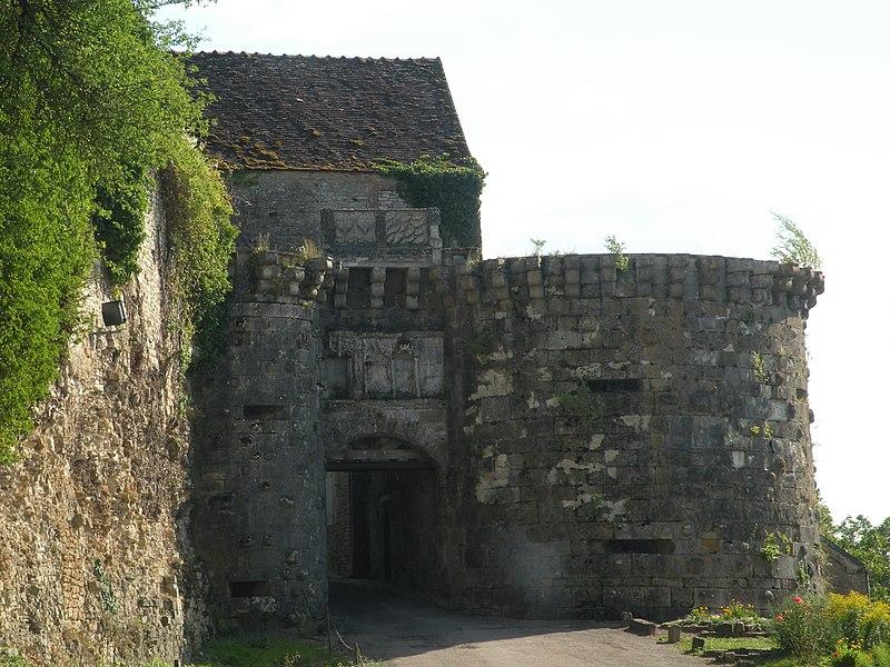 Photo du Monument Historique Ancienne enceinte de la ville situé à Vézelay