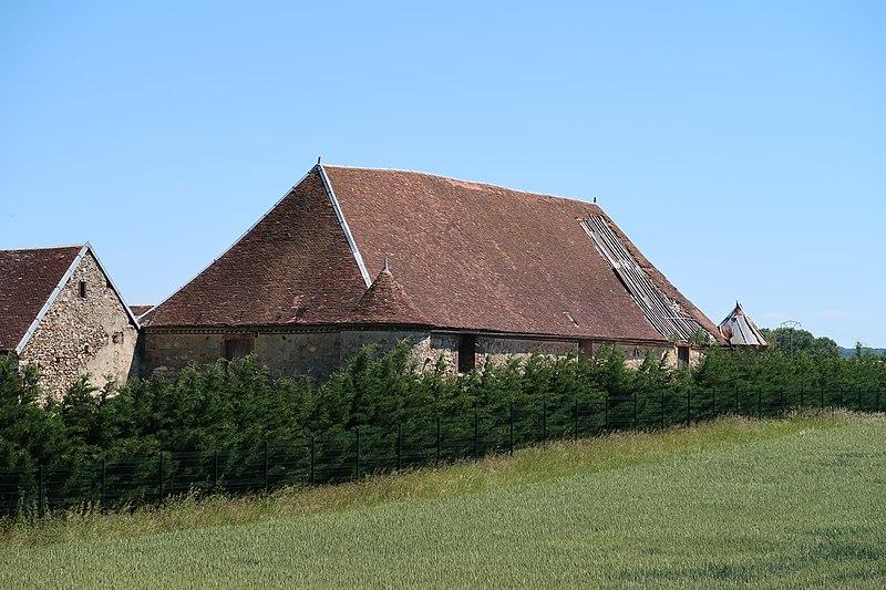 Photo du Monument Historique Ancienne grange cistercienne de Toucheboeuf situé à Lailly