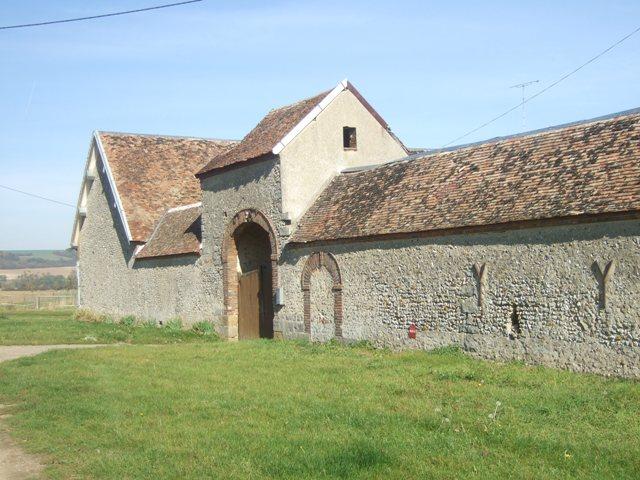 Photo du Monument Historique Ferme des Prés situé à Vareilles