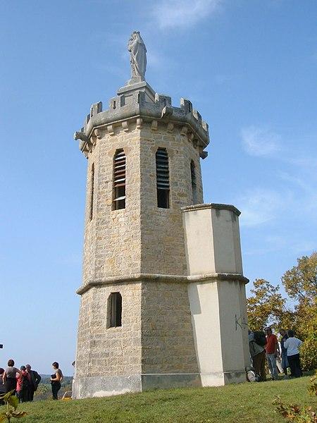 Photo du Monument Historique Tour Malakoff situé à Sermizelles