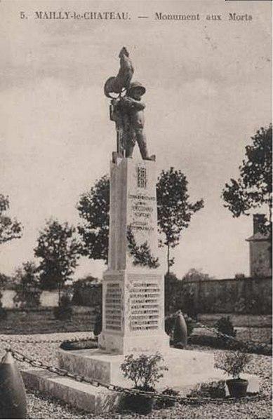 Photo du Monument Historique Monument aux morts situé à Mailly-le-Château