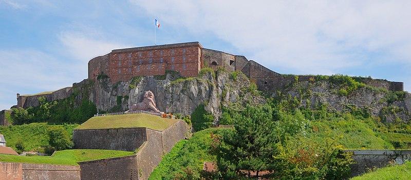 Photo du Monument Historique Château, actuellement musée d'Art et d'Histoire, et enceinte urbaine situé à Belfort