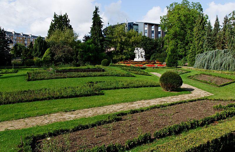 Photo du Monument Historique Square Emile Lechten, anciennement square Jean-Jaurès situé à Belfort