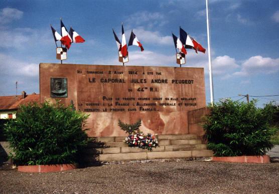 Photo du Monument Historique Monument du caporal Peugeot situé à Joncherey