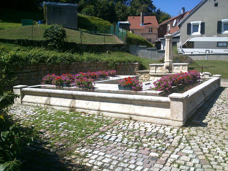 """Photo du Monument Historique Lavoir dit """" du Bernardot """" situé à Bourogne"""