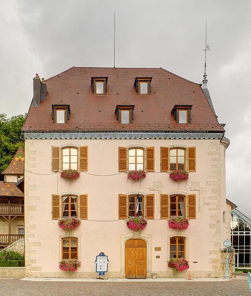 Photo du Monument Historique Maison Lourdel, actuel Hôtel de ville situé à Delle