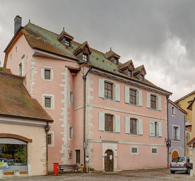 """Photo du Monument Historique Maison de Jean-Guyat Lovy, préfet de Delle, dite """" maison des remparts """" situé à Delle"""