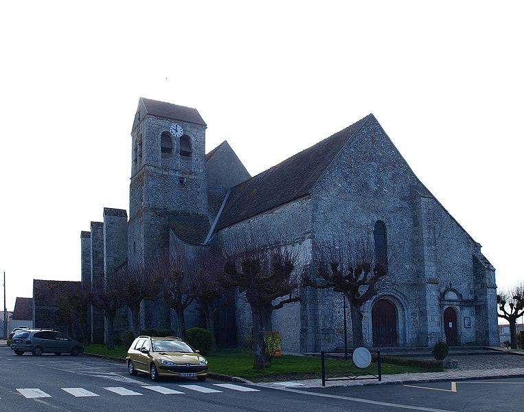 Photo du Monument Historique Eglise Saint-Aubin situé à Authon-la-Plaine