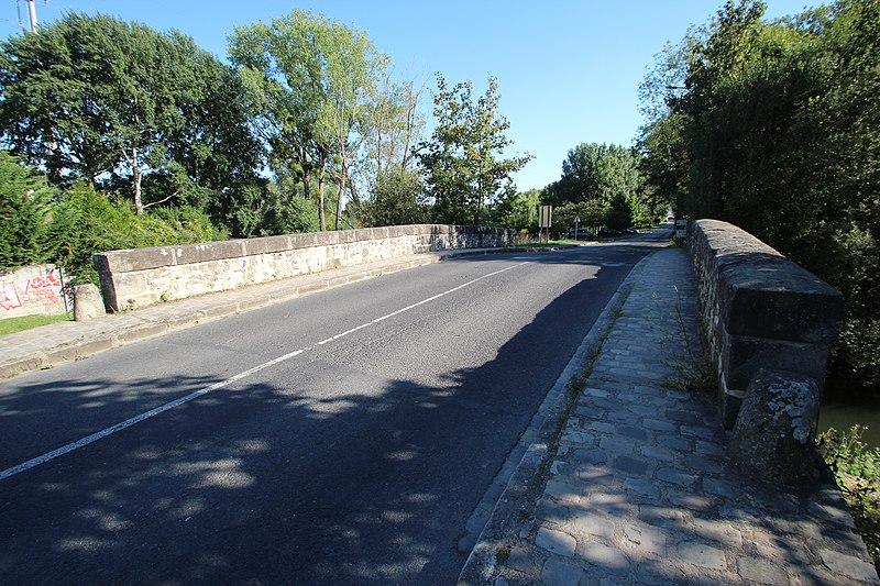 Photo du Monument Historique Pont Cornuel (également sur commune de Lardy) situé à Bouray-sur-Juine