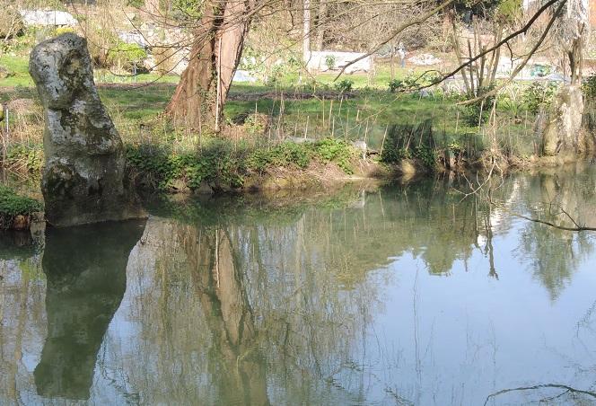 Photo du Monument Historique Menhirs de la Haute-Borne situé à Brunoy