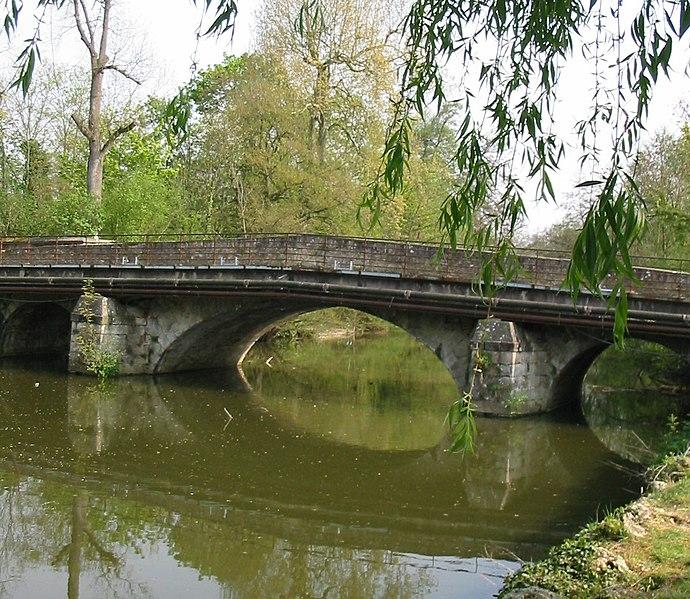 Photo du Monument Historique Pont de Soulins situé à Brunoy