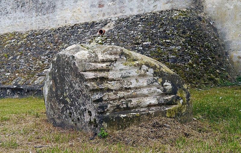 Photo du Monument Historique Polissoir situé à Buno-Bonnevaux