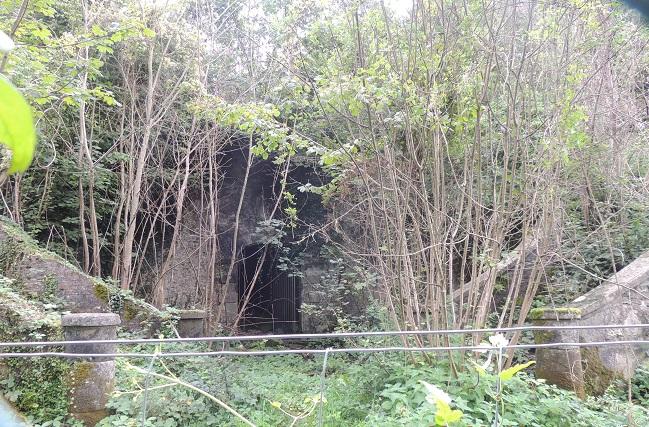 Photo du Monument Historique Escalier dit de la Belle Gabrielle et la parcelle 354 situé à Le Coudray-Montceaux