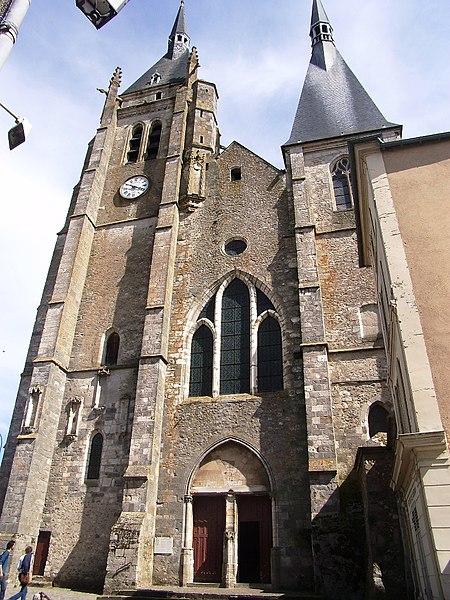 Photo du Monument Historique Eglise Saint-Germain situé à Dourdan