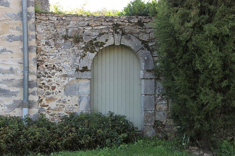 Photo du Monument Historique Petite ferme situé à Dourdan