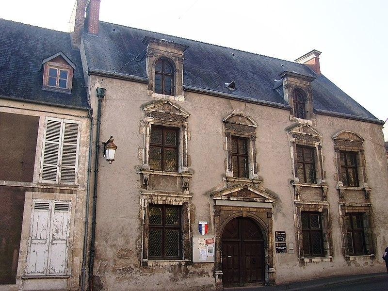Photo du Monument Historique Maison dite de Diane de Poitiers situé à Etampes