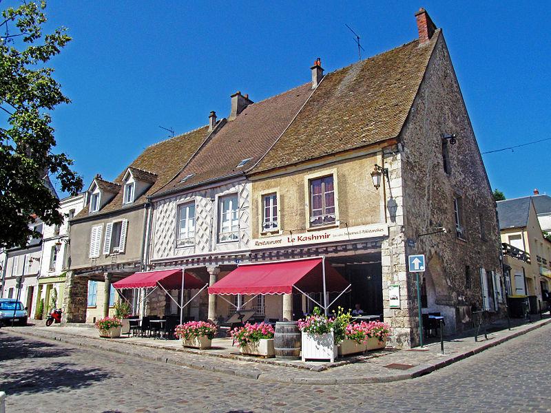 Photo du Monument Historique Maisons à arcades situé à Etampes