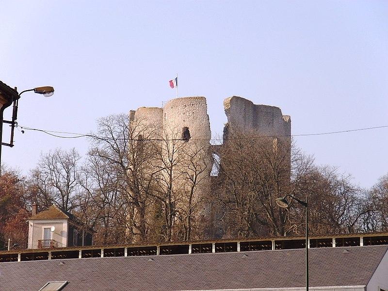 Photo du Monument Historique Tour Guinette situé à Etampes