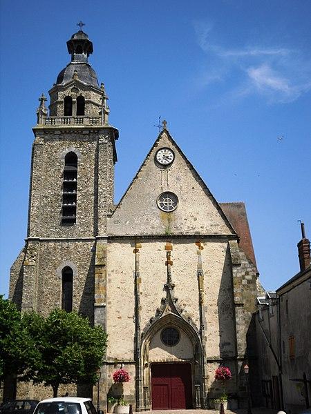 Photo du Monument Historique Eglise Saint-Pierre situé à Limours
