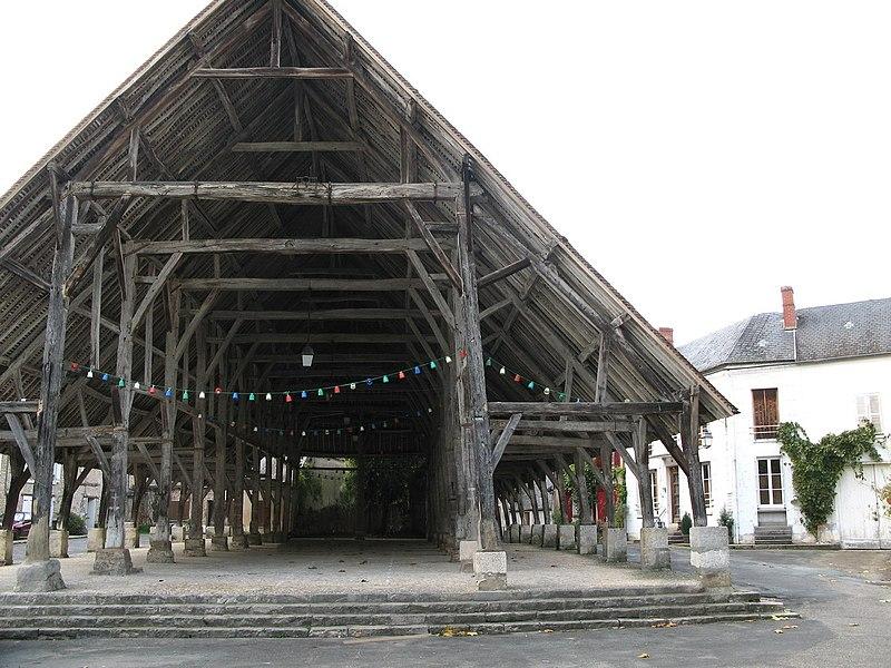 Photo du Monument Historique Halle situé à Méréville