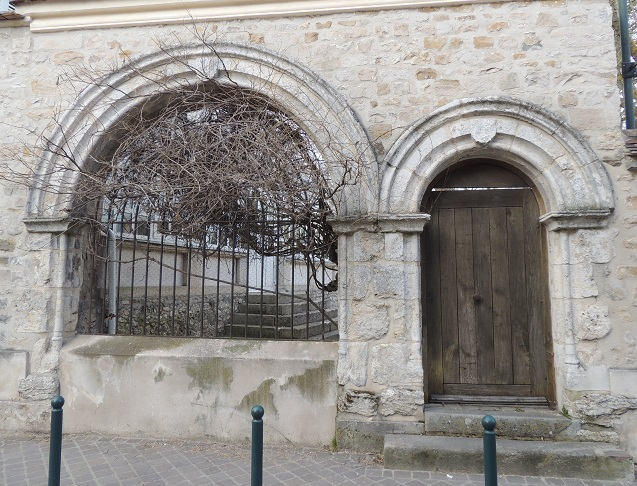 Photo du Monument Historique Moutier de Péronne situé à Milly-la-Forêt