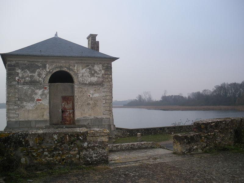 Photo du Monument Historique Pavillon de l'Etang situé à Saclay