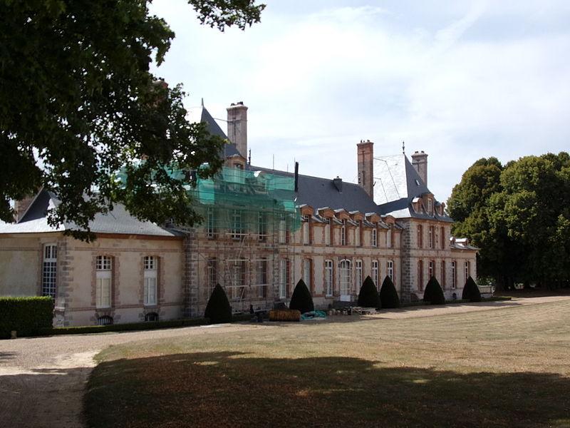Photo du Monument Historique Château de Bandeville situé à Saint-Cyr-sous-Dourdan