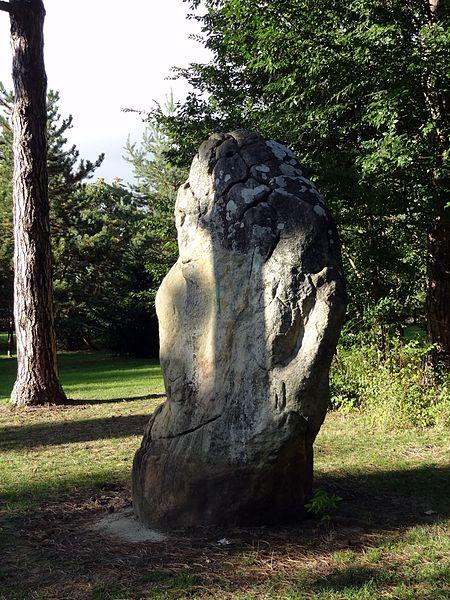 Menhir dit La Pierre à Mousseaux