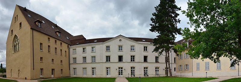 Photo du Monument Historique Abbaye Notre-Dame situé à Yerres