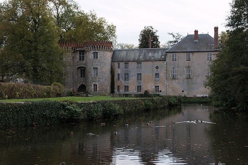 Photo du Monument Historique Château de Milly-la-Forêt (également sur commune de Oncy-sur-Ecole) situé à Milly-la-Forêt
