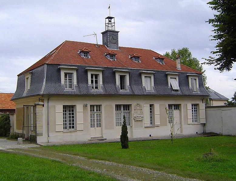 Photo du Monument Historique Manufacture royale de cire situé à Antony