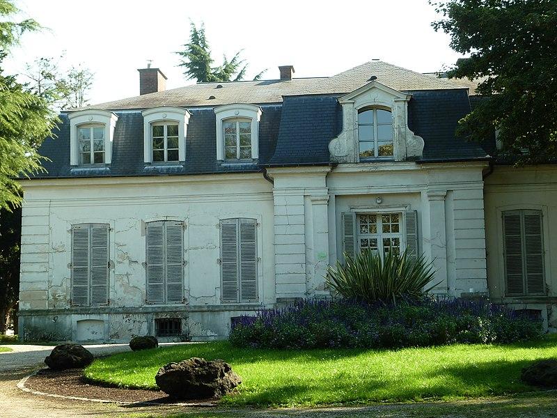 Photo du Monument Historique Immeuble dit Pavillon Colbert situé à Châtenay-Malabry