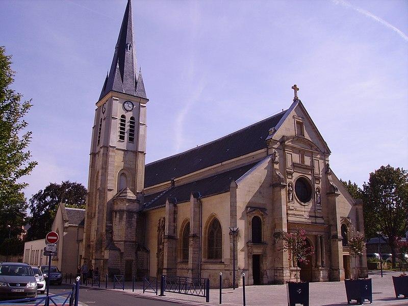 Photo du Monument Historique Eglise Saint-Pierre Saint-Paul situé à Clamart