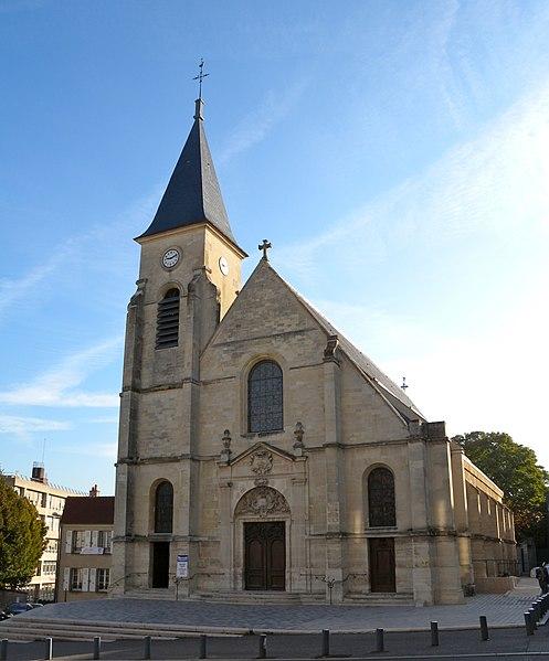 Photo du Monument Historique Eglise Saint-Etienne situé à Issy-les-Moulineaux
