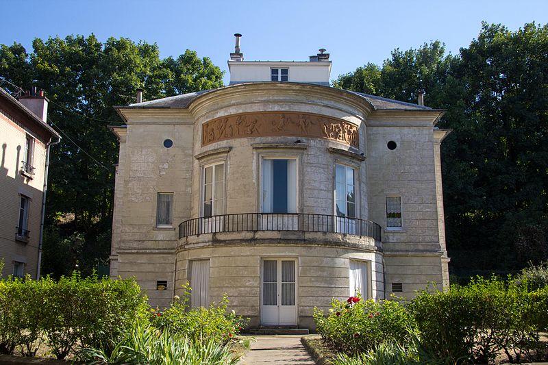 Photo du Monument Historique Maison de plaisance de J.-J. Huvé situé à Meudon