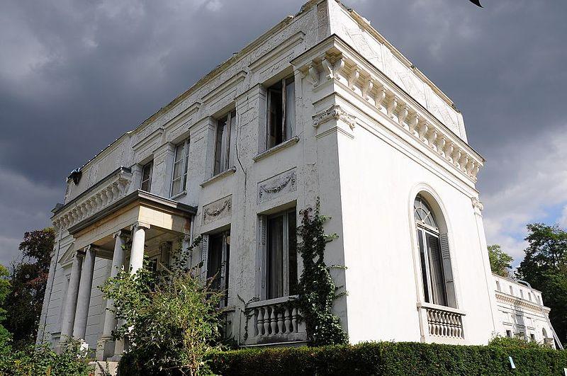 Photo du Monument Historique Château dit La Petite Malmaison situé à Rueil-Malmaison
