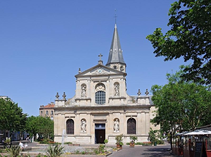 Photo du Monument Historique Eglise Saint-Pierre-Saint-Paul situé à Rueil-Malmaison